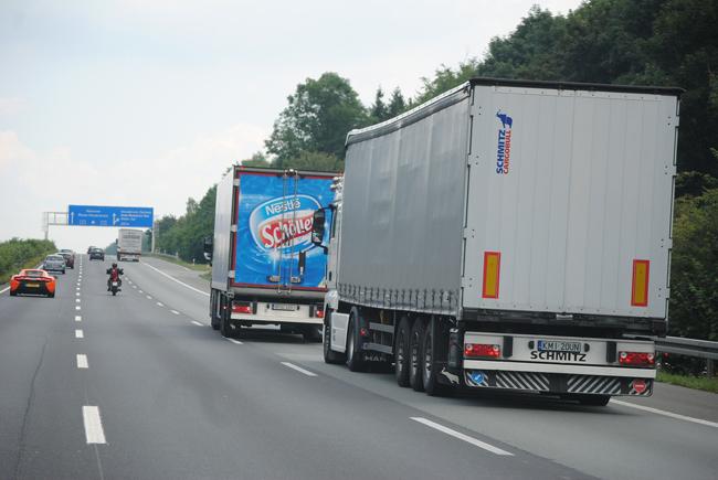 Camión circulando por Alemania
